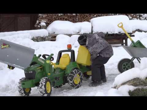Педальный трактор Rolly Toys с прицепом для рассеивания песка John Deere