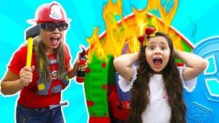 MINHA MÃE SALVA BEBÊ REBORN DO FOGO (pretend play firefighter)
