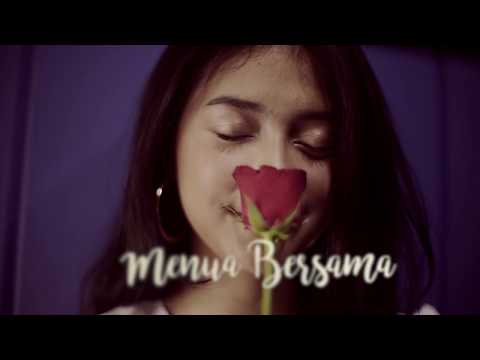 RAHMANIA ASTRINI - Menua Bersama (Official Lyrics Video)