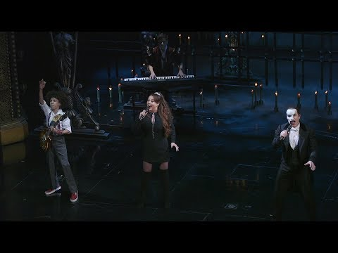 Sarah Brightman and School of Rock sing