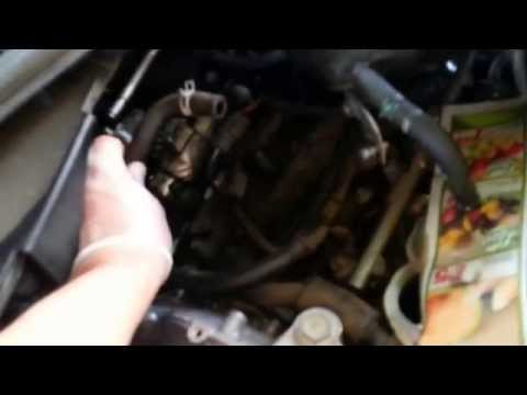 Video 2 Nissan V6 Replace Spark Plug & Valve Cover ...