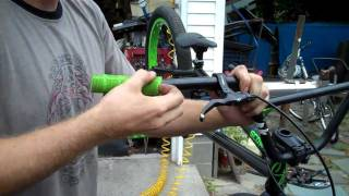 Bmx Boy shows you how to take off and put on grips