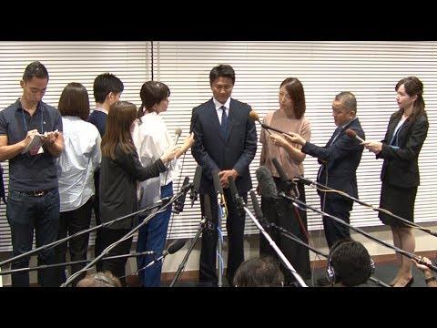 俳優の原田龍二が、複数の女性ファンとの不倫を報じられたことを受けて会見を開いた。紺色のスーツ姿で現れ、「軽率な行動により、多大なご...