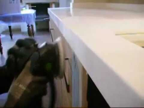 Saldatura piano di lavoro in BETACRYL Solid Surface Corian - YouTube