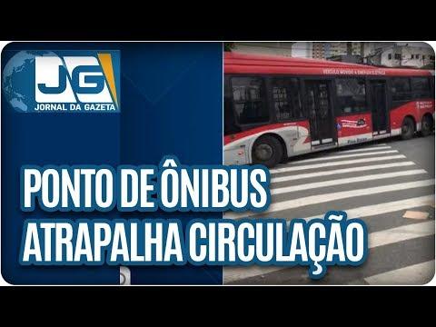Ponto de ônibus atrapalha circulação no Ipiranga