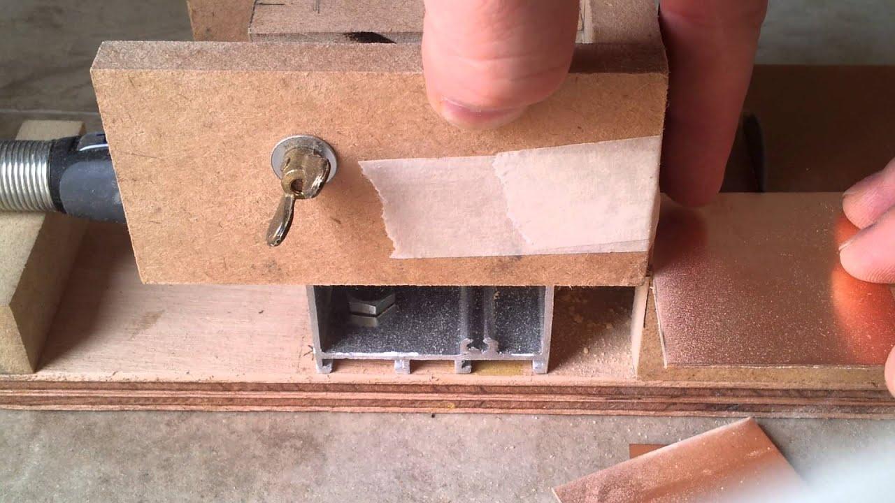 Mini sierra de banco con accesorio dremel youtube - Sierra de banco ...