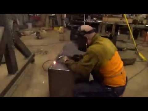 Fuel tank build (part 4) welding the lid on