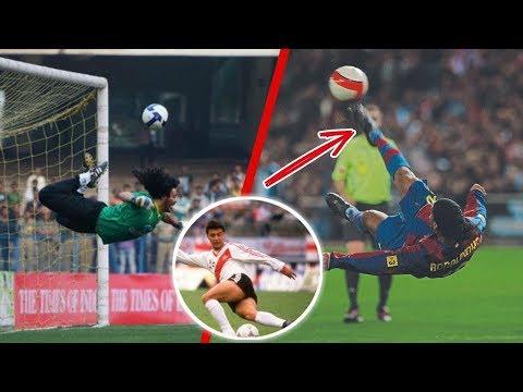 10 طرق لَعب تاريخية صنعها أساطِير كرة القدم..!!