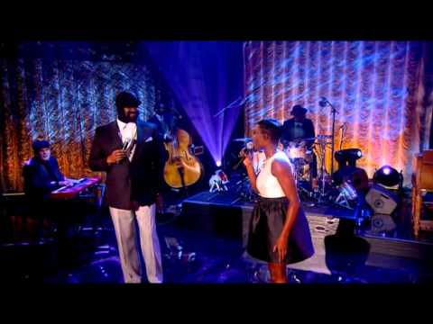 Gregory Porter & Laura Mvula - Water Under Bridges (Graham Norton Show 6.2.2015)