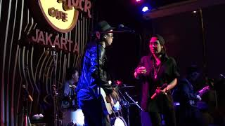 10 Kansas city (The Beatles Cover) by Raidy Noor Experience feat Riffy Putri
