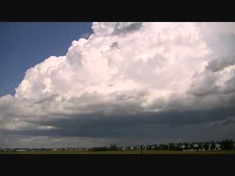 Timelapse of thunderstorm developing