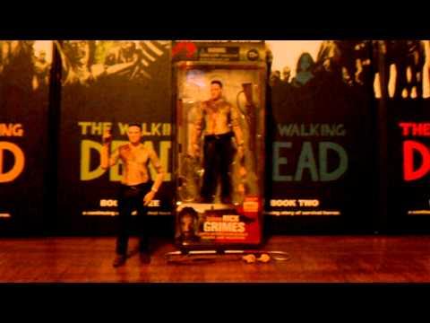 The walking dead tv series 4/ walgreens exclusive Rick Grimes action figure