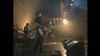 Eighties Matchbox B-Line Disaster  - Charge the Guns - LIVE Pinkpop 2003