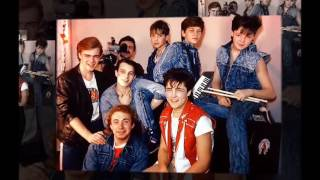 видео Сценарий вечеринки в стиле 90-х