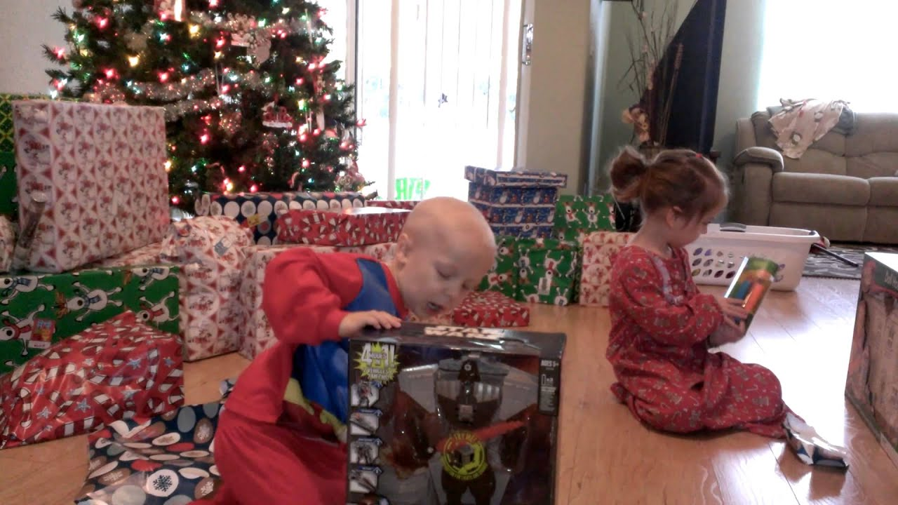 Opening Christmas Presents 2013(1) - YouTube