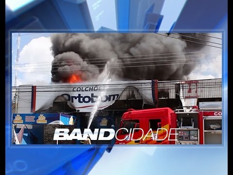 Incêndio atinge, no domingo, loja de colchões da zona centro-sul