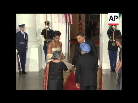 President Barack Obama and first lady Michelle welcomed Indian Prime Minister Manmohan Singh and his