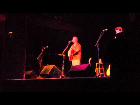 """Shawn Mullins """"Lullaby"""" Live in Woodstock NY April 5, 2014"""