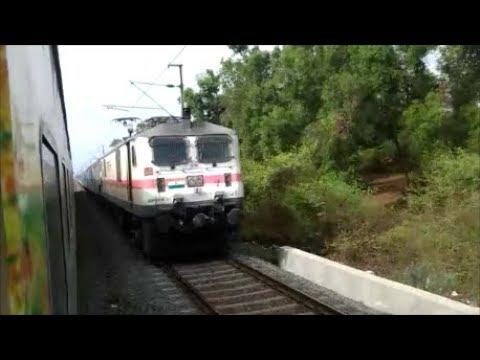 High Speed crossing 12228 Indore Duronto vs 12009 Ahmedabad Shatabdi