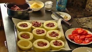 Кабачок с фаршем под помидором и сыром в духовке