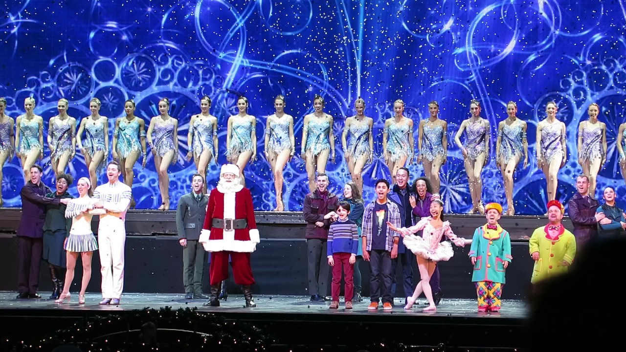 Radio City Christmas Spectacular - New York City 2016 - Final scene ...