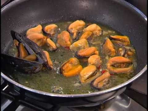 linguine alle cozze e zafferano - youtube