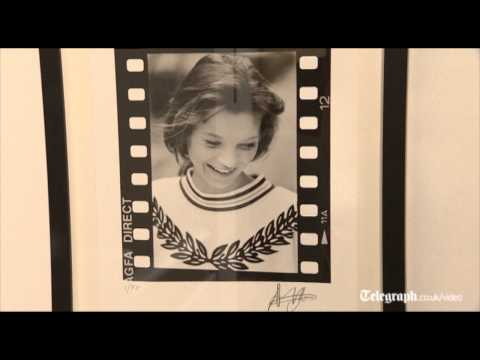 unseen-kate-moss-pictures-exhibited