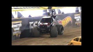 Metal Mulisha vs Grave Digger Monster Jam World Finals Quarter finals 2016