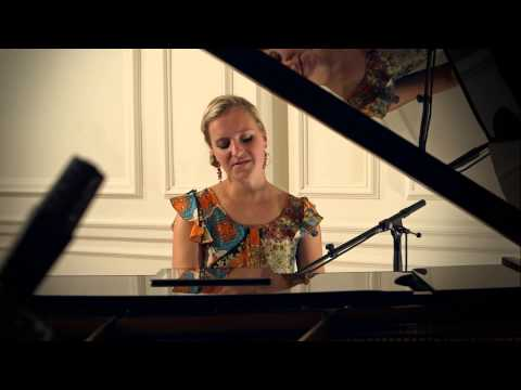 Ellie Solo Singer/Pianist - The Nearness of you by Hoagy Carmichael arr Norah Jones
