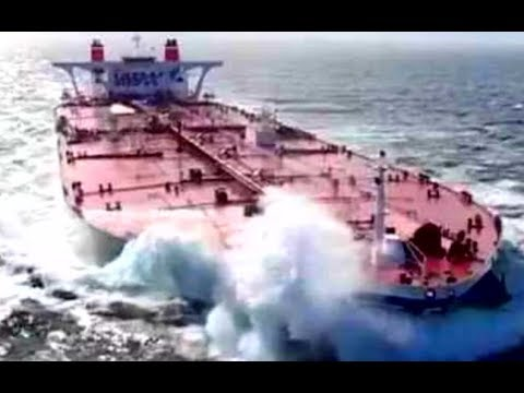 Ships In Heavy Storm! Most Biggest Waves In Sea! Tanker STENA VISION