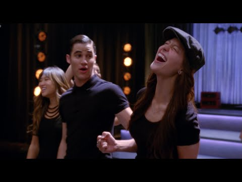 GLEE - Chasing Pavements (Full Performance) HD