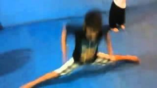 Abertura de piernas  a lo Van Damme por nuestro alumno futuro campeon