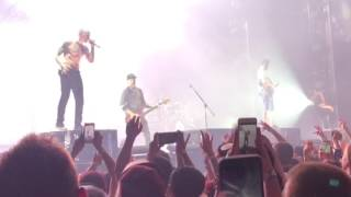 Papercut  Linkin Park @ the Barclaycard Arena
