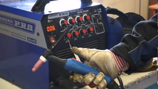 AuroraPRO Inter TIG 200 AC/DC PULSE — универсальный инверторный сварочный аппарат(Аппарат предназначен для профессиональной импульсной сварки постоянным и переменным током TIG AC/DC, а так..., 2013-07-30T14:26:27.000Z)