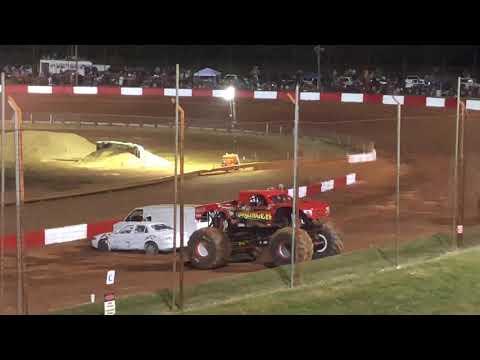 Dixie Speedway monster trucks time race