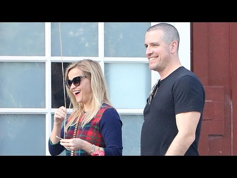 Reese Witherspoon And Hubby Jim Toth Check Out Gwyneth Paltrow's Goop Store