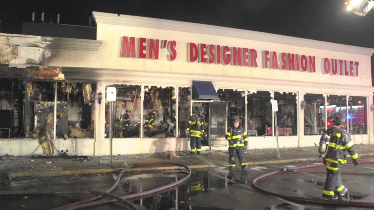 Multiple Videos From Levittown Ny Commercial Fire Statter911