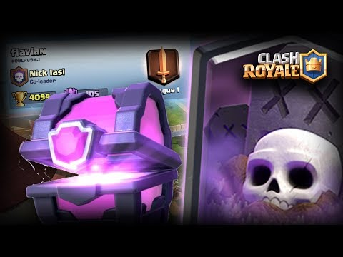MAGICAL CHEST SI ROMAN IN ARENA!