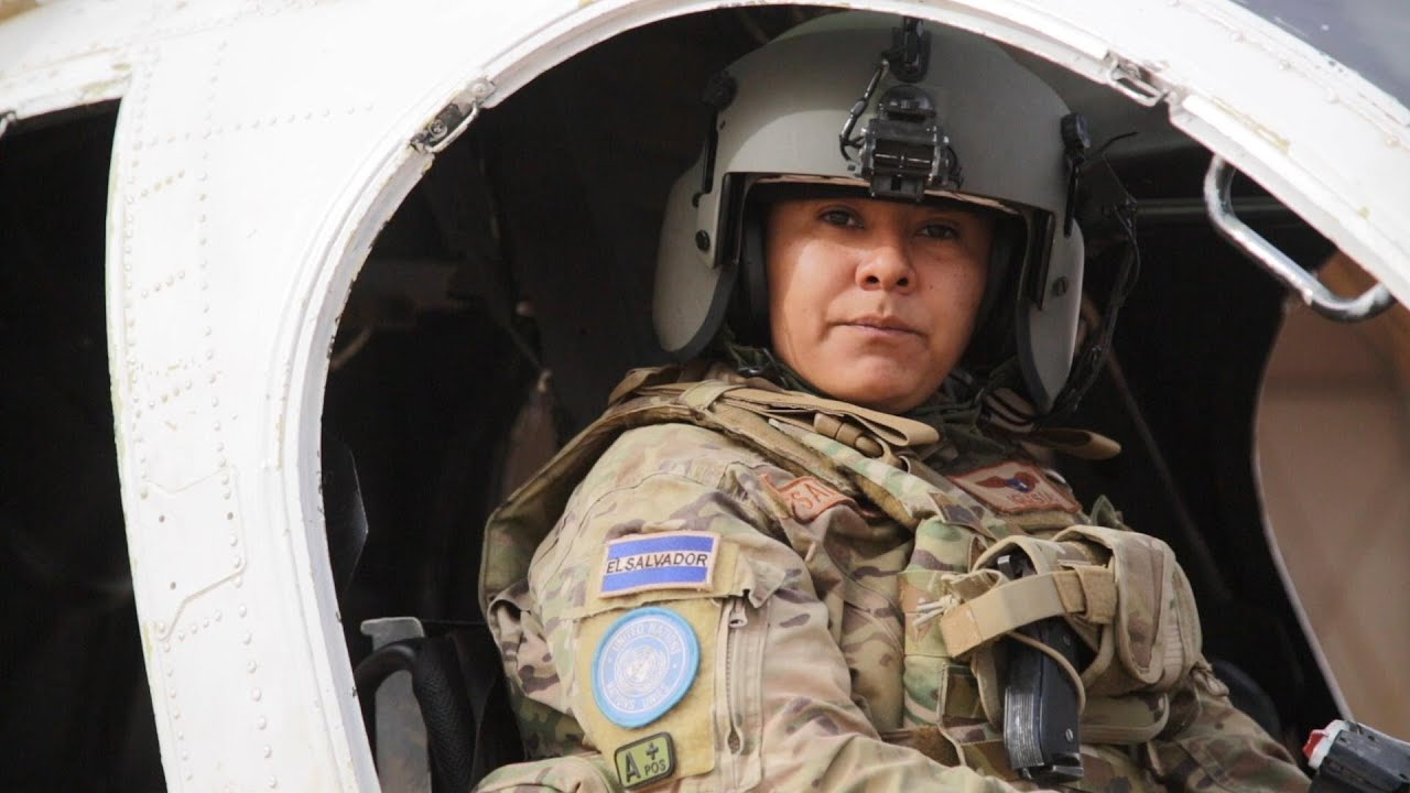 Mali: Women Pilot the Way to Peace