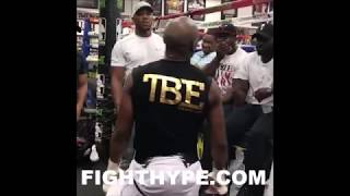 MAYWEATHER SHOWS ANTHONY JOSHUA NASTIEST JAB IN BOXING; DROPS UNRELEASED FOOTAGE, STILL WORKING