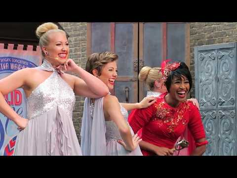 """Universal Orlando Diagon Alley Celestina Warbeck """"Nothing Like A Holiday Spell"""" Full Holiday Show"""