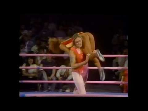 GLOW Gorgeous Ladies of Wrestling Daisy vs Vicky Victory
