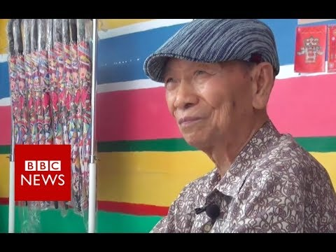 The Wake Up Show - 97 Year Old Single Handedly Saves His Taiwanese Village With Murals
