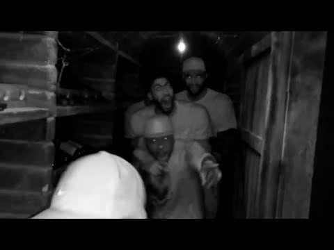 DeMarcus Cousins & Anthony Davis Scream Like Little B**ches at a Haunted House