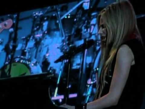 Avril Lavigne live in Chile 2011- Stop Standing There