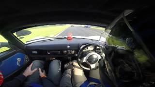 VX220 SC Snetterton 22nd September 2014 too much curb