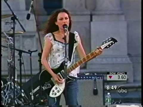 Bangles performing Tear off your own head live 2002 mp3