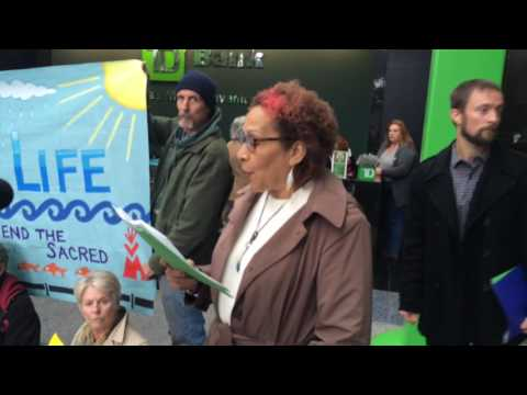 Pipeline protest ends with arrests at TD Bank