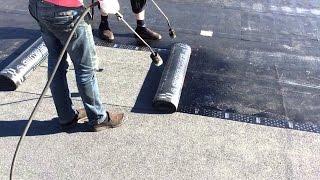 видео Как крыть крышу рубероидом правильно: ремонт бетонной кровли, кроем сами