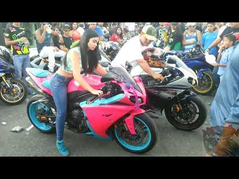 Hermosas chicas haciendo stunt 😍